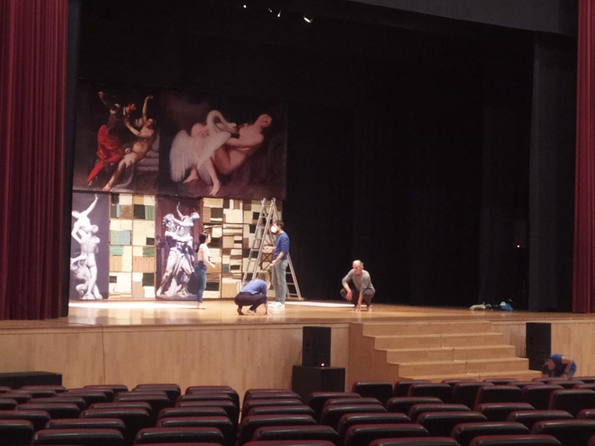 20210422131420_happened_57_la-vengadora-de-mujeres-teatro-torremolinos-cultura-18.jpg