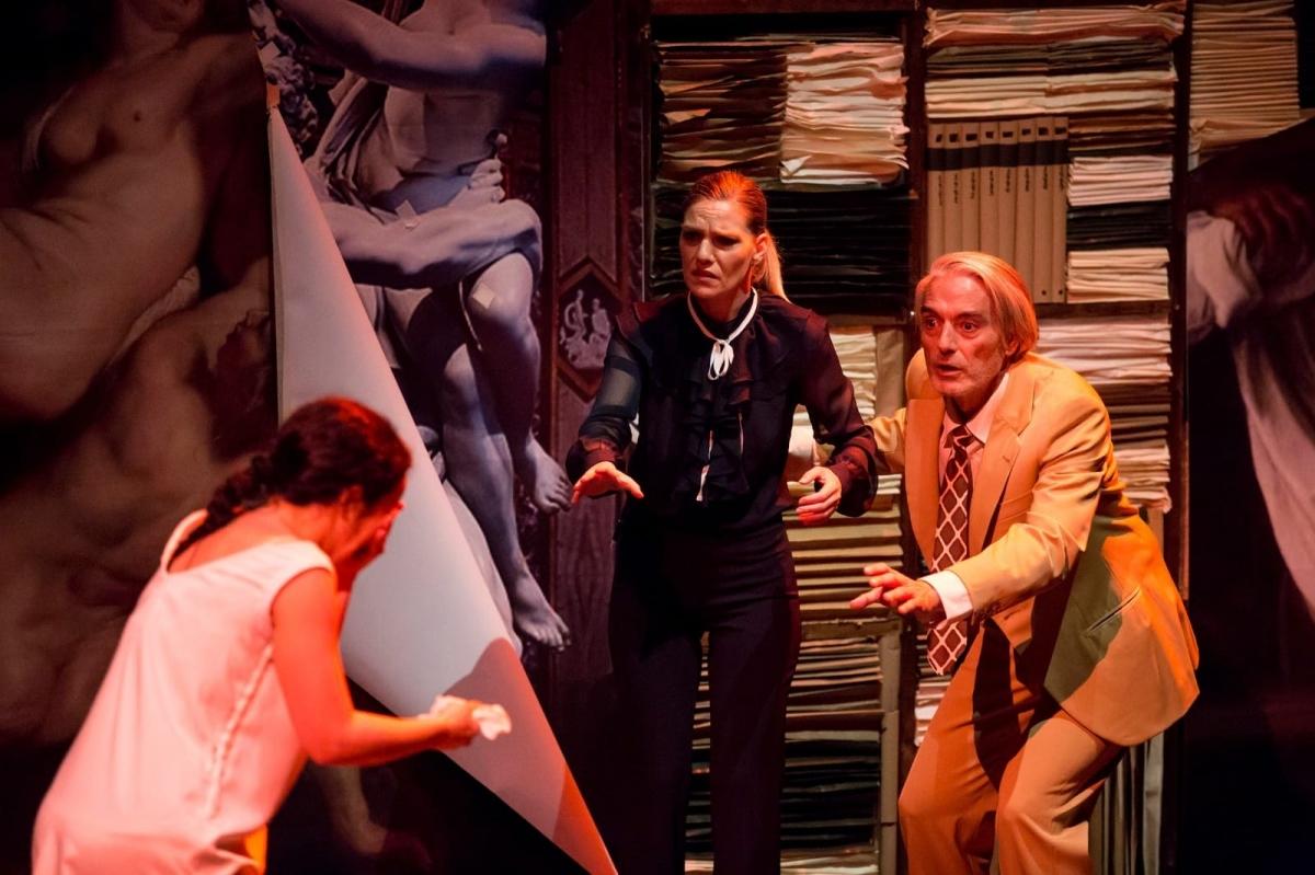20210422131421_happened_57_la-vengadora-de-mujeres-teatro-torremolinos-cultura-22.jpg