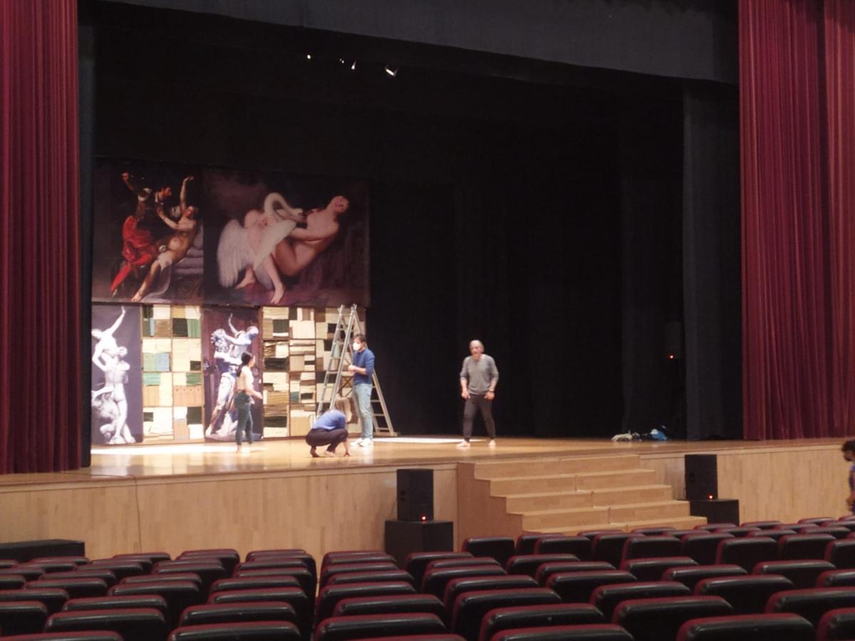 20210422131422_happened_57_la-vengadora-de-mujeres-teatro-torremolinos-cultura-17.jpg