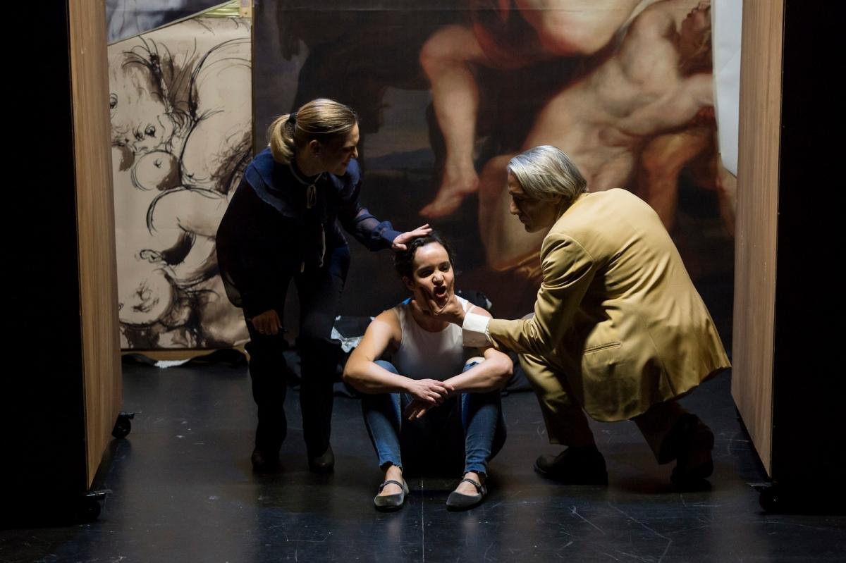 20210422131424_happened_57_la-vengadora-de-mujeres-teatro-torremolinos-cultura-28.jpg