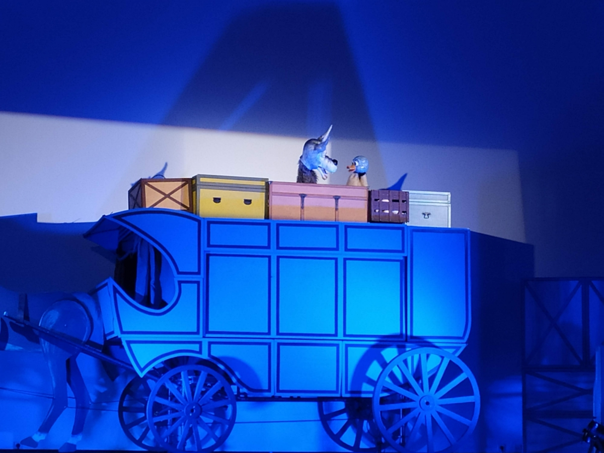 20210422161123_happened_58_teatro-de-titeres-el-carruaje-de-los-suenos-de-andersen-torremolinos-cultura-10.jpg