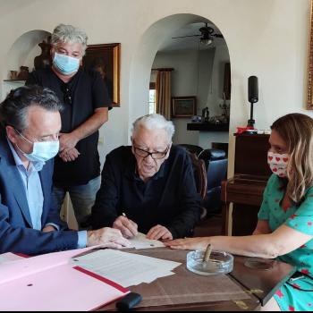 Torremolinos recibe una colección de más de 130 obras de arte popular religioso que dona el doctor Aser Seara